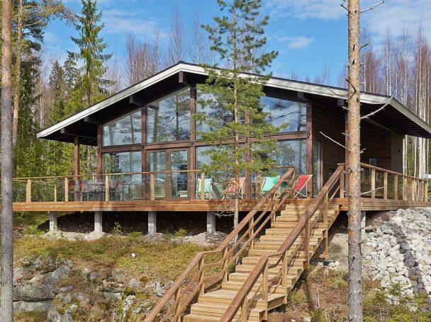 Talo metsämaisemaan