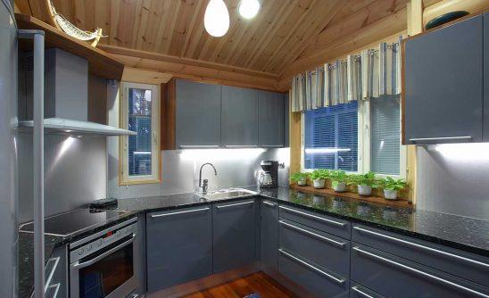 Hirsitalon keittiö